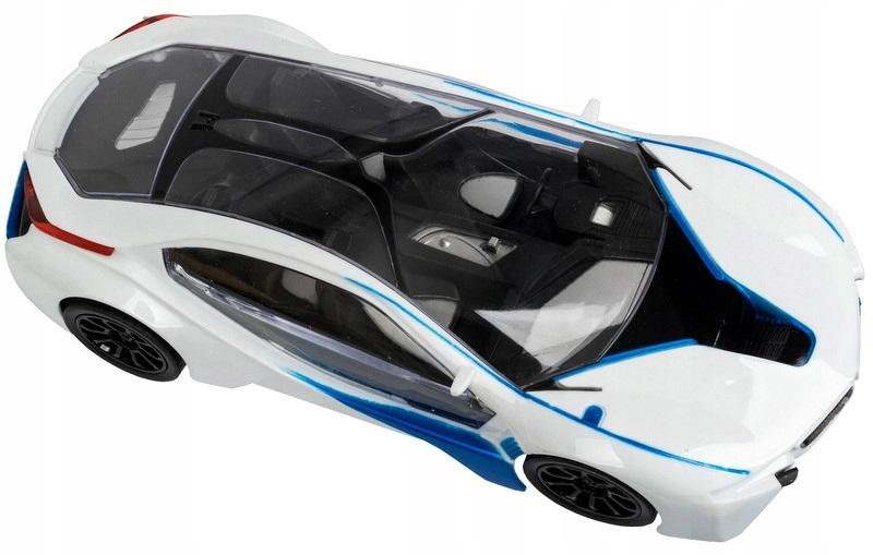 Radijo bangomis valdomas automobilis su pedalais